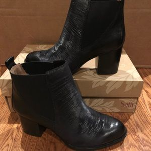 Sofft Welling Chelsea black boots size 9.5 new
